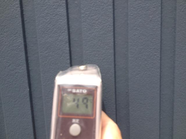 一般的なサイディング外壁の表面温度 49℃